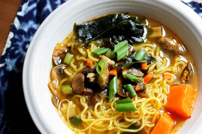 Vegan Soup Recipes: Korean Ramen Noodle Soup