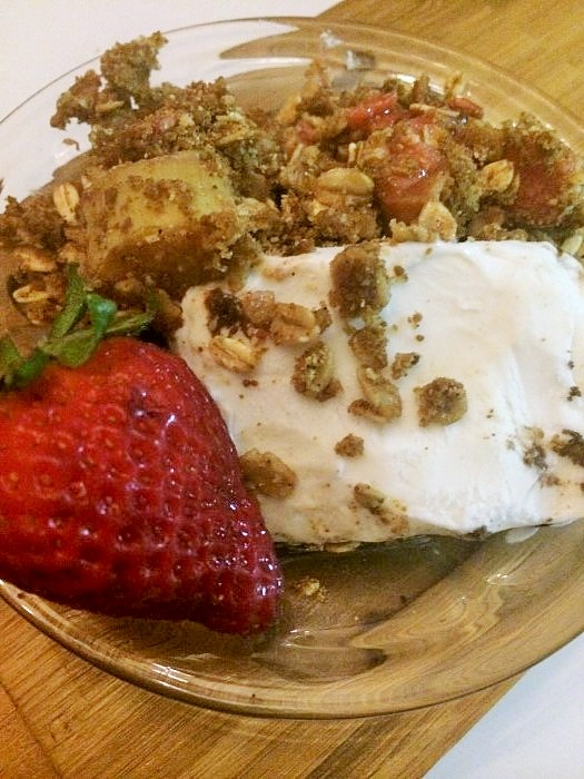 Vegan GF Strawberry Rhubarb Crisp