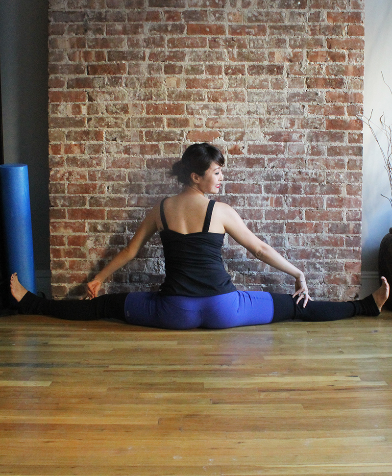 6 Dancer Stretches for Post Workout Recovery - Hips and Thighs