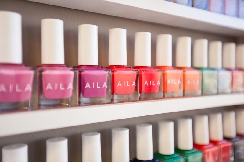 Natural Beauty: 10 Best 5-Free Nail Polish Brands