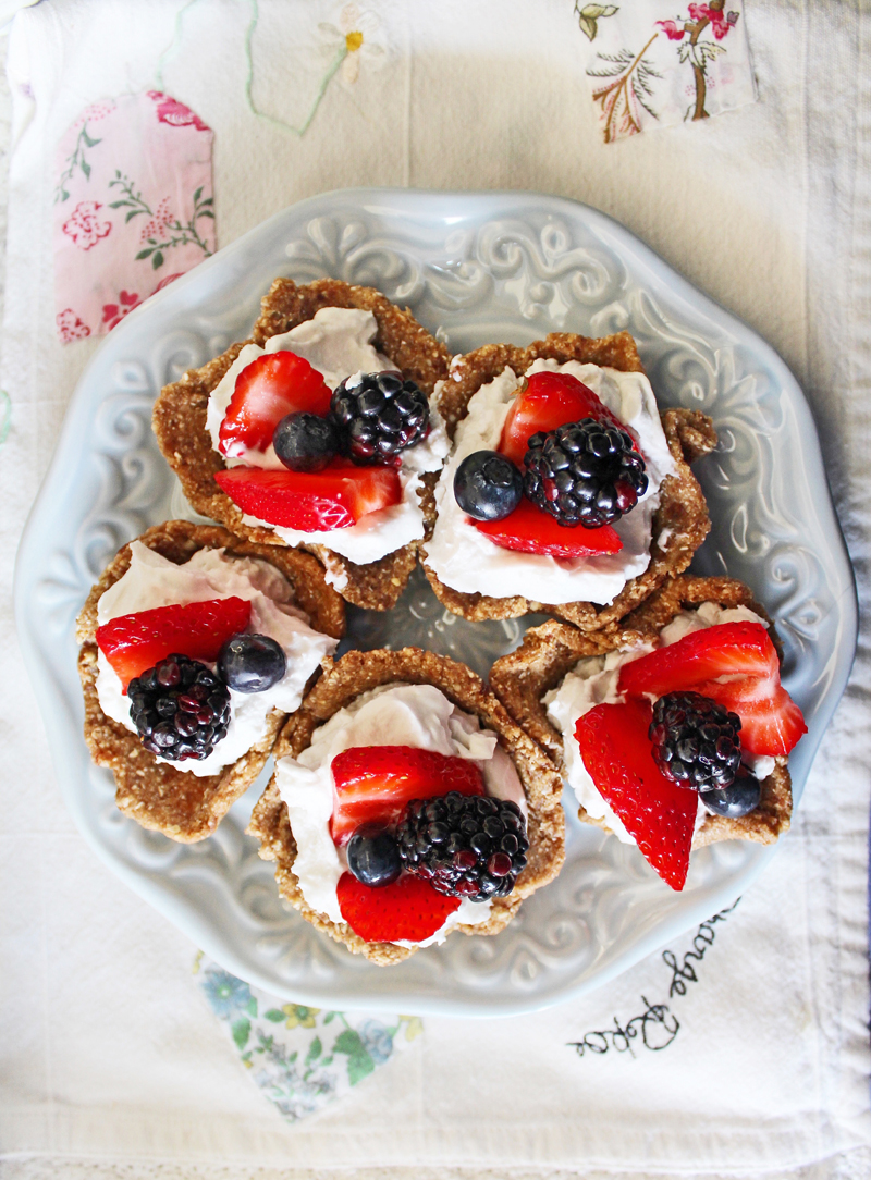 Raw Vegan Recipes: Coconut Cream Berry Tarts