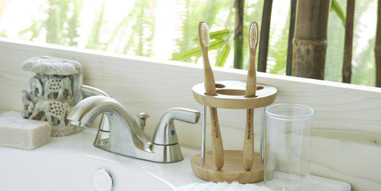 Eco-Friendly Alternatives to Plastic Household Items