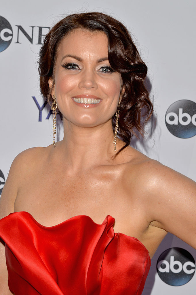 Bellamy Young Nude Photos 11