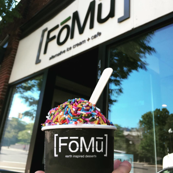 10 Dairy Free Ice Cream Spots That Will Have You Cooling Down In Dessert Heaven