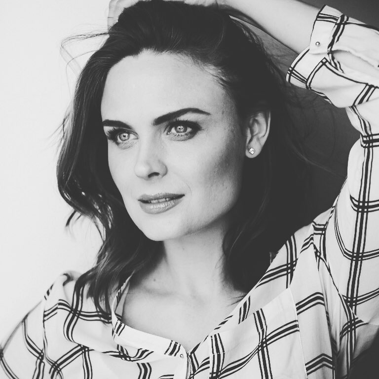 Emily Deschanel's DIY Enzyme Peel--Plus How To Get Her Radiant Complexion