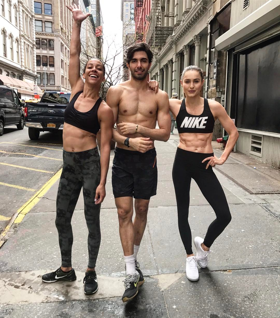 Get Washboard Abs With These Moves From Akin Akman, Supermodel Trainer (Video)
