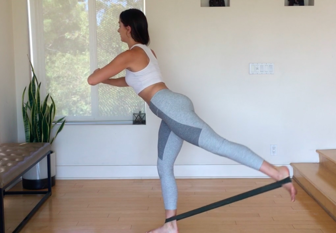 4 Ways To Use Resistance Bands To Sculpt Legs & Butt From Every Angle