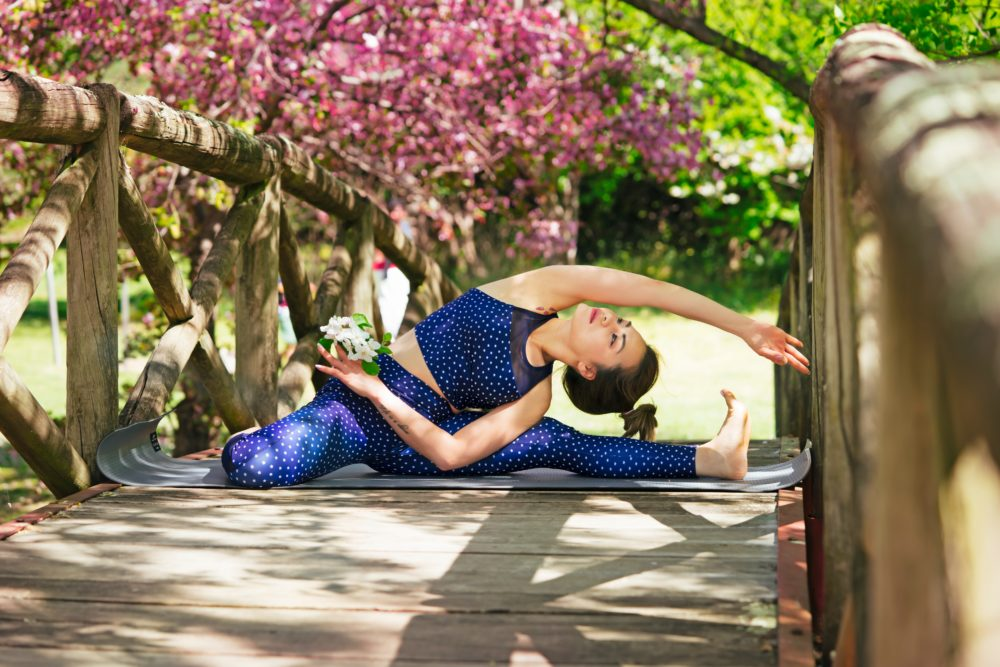 Six Simple Steps for a DIY Budget-friendly Yoga Retreat