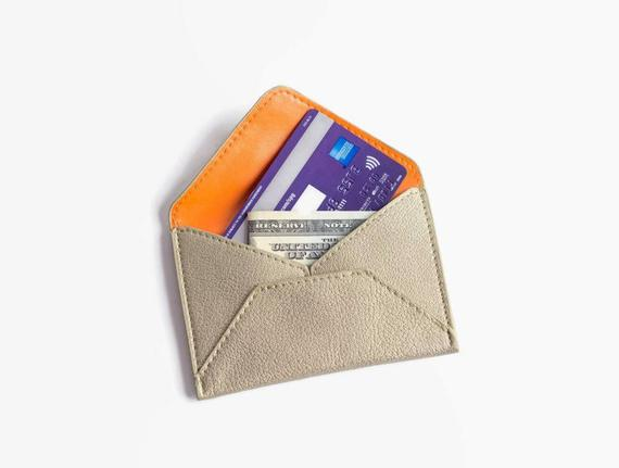 7 Vegan Wallets to Keep You Organized in the New Year