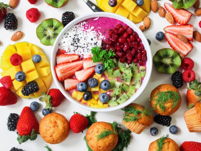 Smoothie bowl fruits and muffins vegan