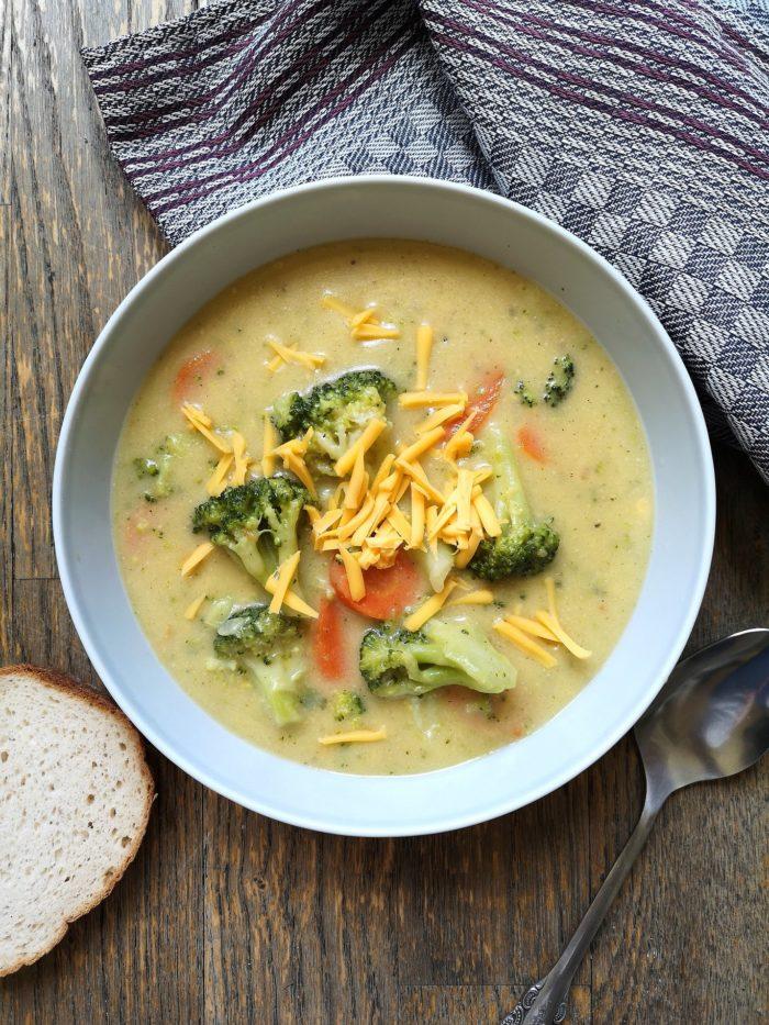 Vegan broccoli cheddar soup
